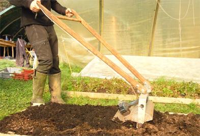 Le Microculteur permet aussi d'incorporer le fumier composté